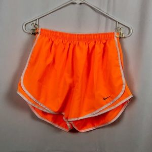 NIKE dri-fit running shorts M